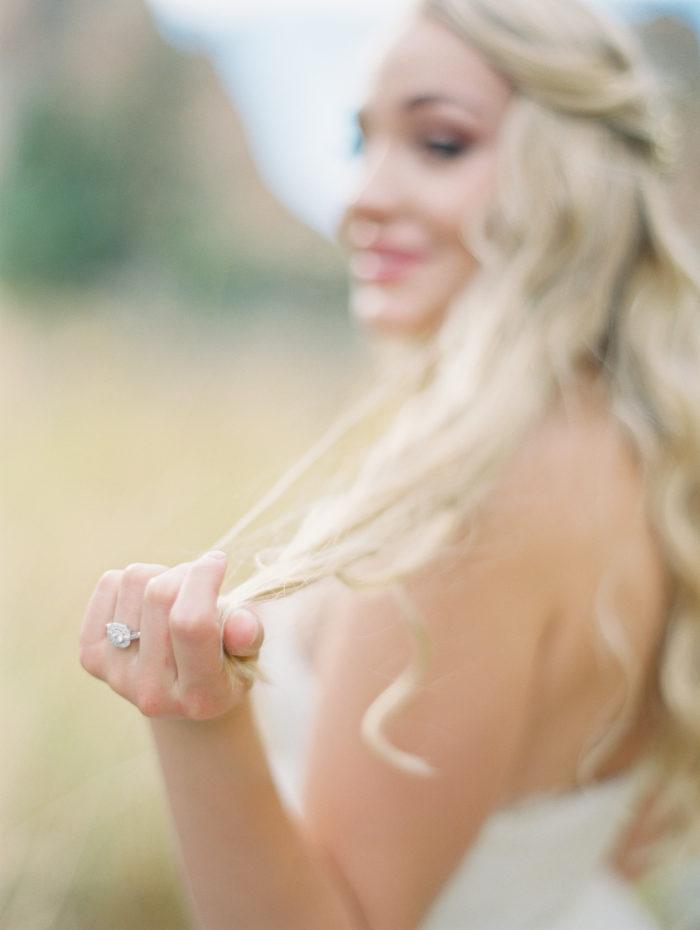 Romantic Smith Rock Bridal Shoot KT Crabb Photography22