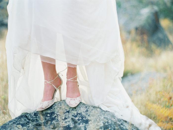 Romantic Smith Rock Bridal Shoot KT Crabb Photography23