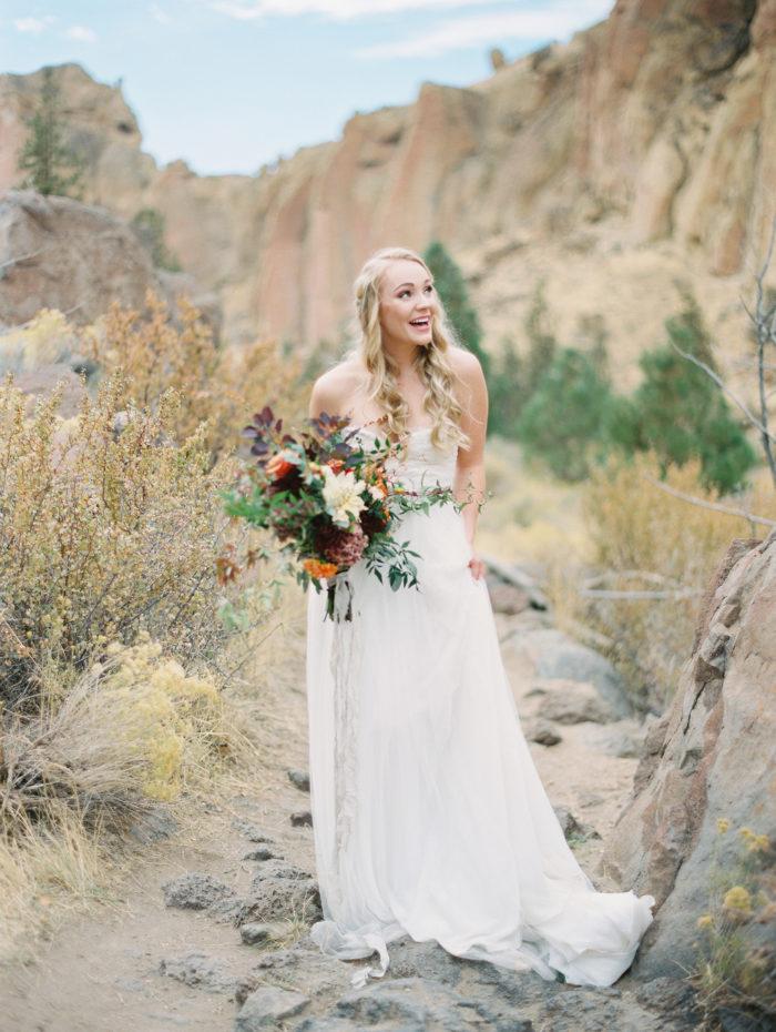 Romantic Smith Rock Bridal Shoot KT Crabb Photography25