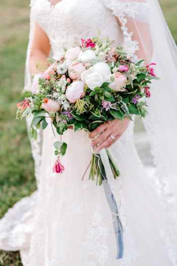 Romantic Wedding Bouquets For Summer